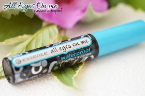ALITTLEB-BLOG-BEAUTE-MES-ESSENTIELS-MAQUILLAGE-A-PETITS-PRIX-MASCARA-ALL-EYES-ON-ME-ESSENCE-WATERPROOF